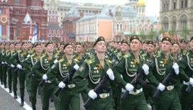 Rusya'dan Zafer Bayramı'nda Kızıl Meydan'da gövde gösterisi