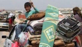 Göç yolundaki sivillere iftar paketi