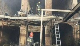 İran'ın tarihi kapalı çarşısında yangın çıktı