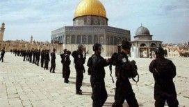 İsrail, Mescidi Aksa'da teravih namazı kılanlara saldırdı, 6 yaralı