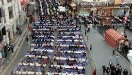 Kilis'te kardeşlik sofrasında 5 bin kişi iftarını açtı