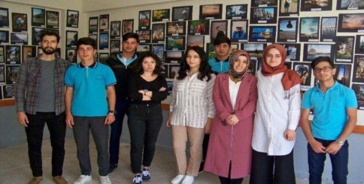 Öğrenci ve öğretmenlerden karma fotoğraf sergisi