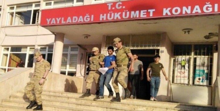 Göçmen kaçakçılığından gözaltına alınan bir kişi tutuklandı
