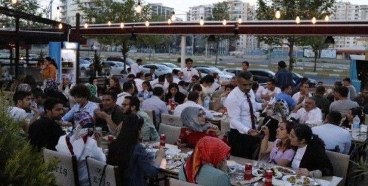 DTSO yönetimi engelli vatandaşlarla iftar sofrasında buluştu