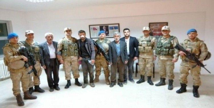 Jandarma ekipleri kayıp Sezgin için seferber oldu