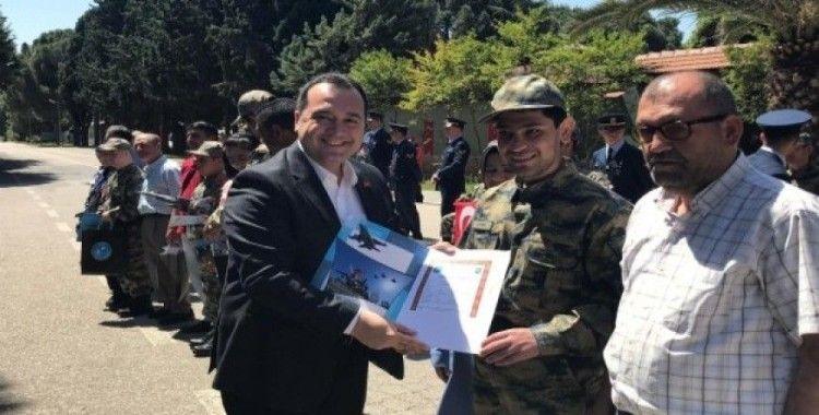 Akhisar'da 28 engelli bir günlük asker oldu