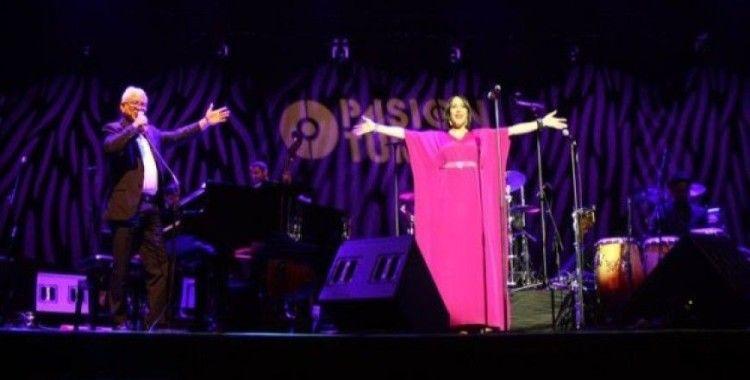 Pink Martini İstanbul'da konser verdi