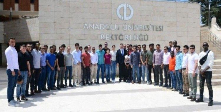 Polis Akademili yabancı uyruklu öğrencilerden Anadolu Üniversitesine ziyaret