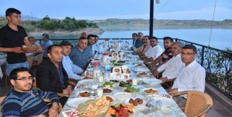 Kahta'da Gazeteciler ve Yazarlar iftarda buluştu
