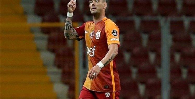 Wesley Sneijder Medipol Başakşehir maçı için İstanbul'a geliyor