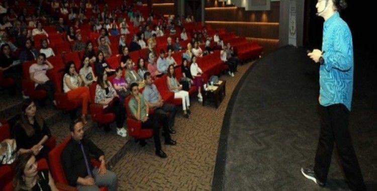 Deniz Altunay'dan GAÜN öğrencilerine konferans