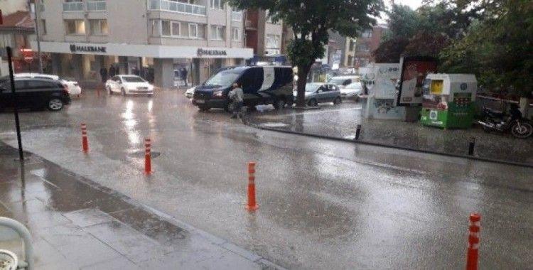 Bastıran sağanak yağış Bilecik'i felç etti