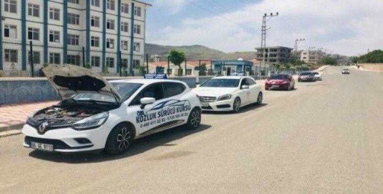 Kozluk'ta 120 sürücü adayı direksiyon sınavını tamamladı