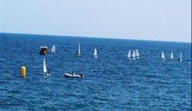 Konyaaltı Sahili'nde yelkenli antrenmanı