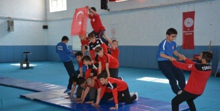 Şuhut'ta 19 Mayıs Gençlik ve Spor Bayramı coşkuyla kutlandı