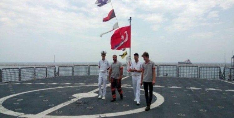Dünyanın en büyük amfibi çıkarma gemilerinden TCG Sancaktar ziyarete açıldı
