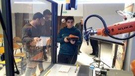 Öğrenciler Polonya'da Endüstriyel Robot Eğitimi Aldılar