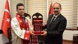 Kastamonu Üniversitesi'ne rektör olarak atanan Topal, görevi devraldı