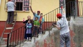 Köylüler ve dernek üyeleri el birliğiyle köy okulunu onardı