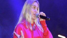 Aleyna Tilki, Kuşadası'nda otel açılışında sahne aldı