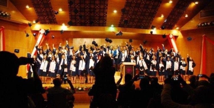 Bilkent Erzurum Laboratuvar Okulları yeni mezunlarını uğurladı