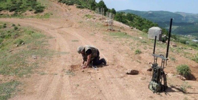 Bingöl'de tüp ve tenekeye yerleştirilen EYP imha edildi