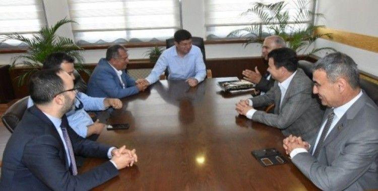 Aydınlılar Derneği'nden Başkan Özcan'a 'hayırlı olsun' ziyareti