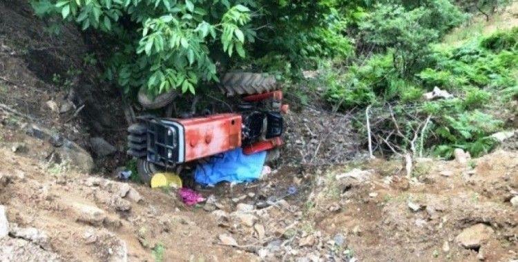 Sarıgöl'de traktör devrildi: 1 ölü,1 yaralı