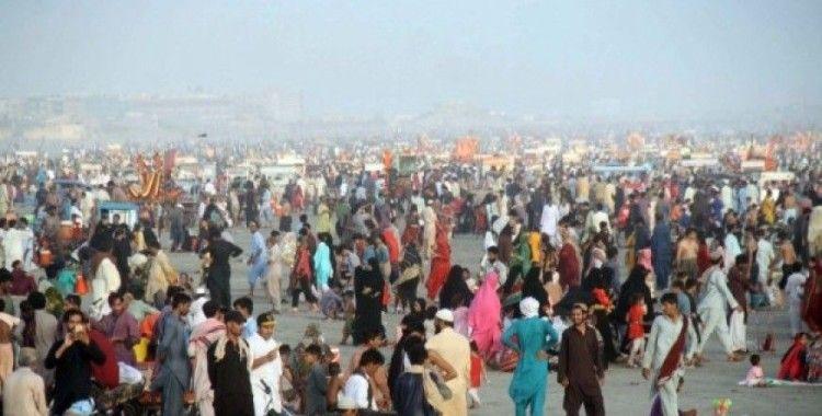 Karaçi'de sıcak hava dalgası su kıtlığını artırıyor