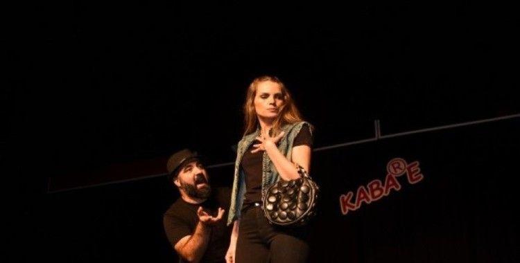 Taşköprü'de Kabare Tiyatro esintisi