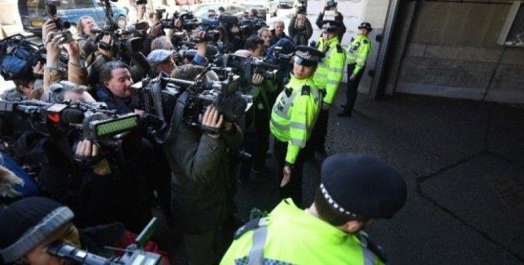 Assange'ın ABD'ye iade davası ertelendi