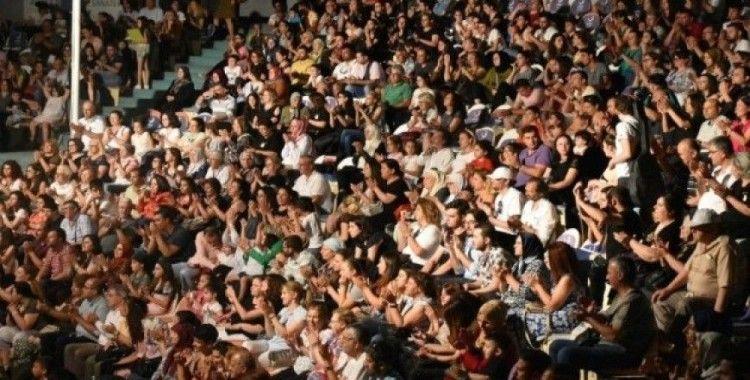 ASEV'in Batı Müziği konserine yoğun ilgi