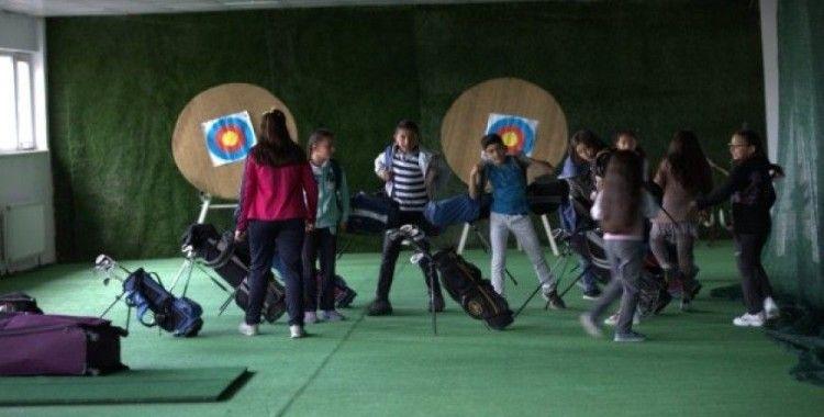 Ardahanlı minik golfçülerin başarısı Türkiye'nin dikkatini çekiyor
