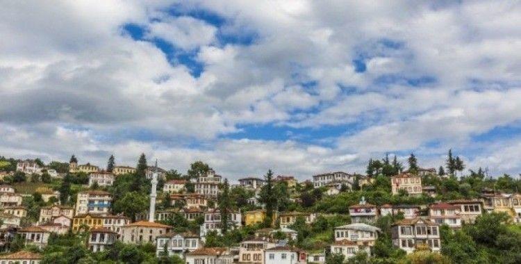 """Ekim: """"Ortamahalle Türkiye'de mahalle ölçeğinde korunarak orijinal dokusu ile bugünlere aktarılan ender yerlerden"""""""