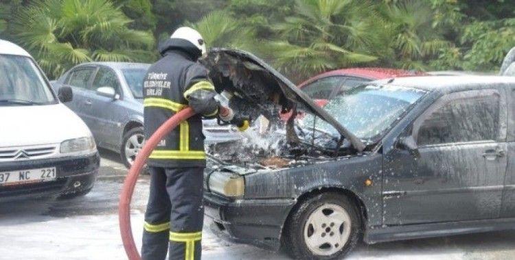 Seyir halindeyken dumanlar çıkan LPG'li araç korku dolu anlar yaşattı