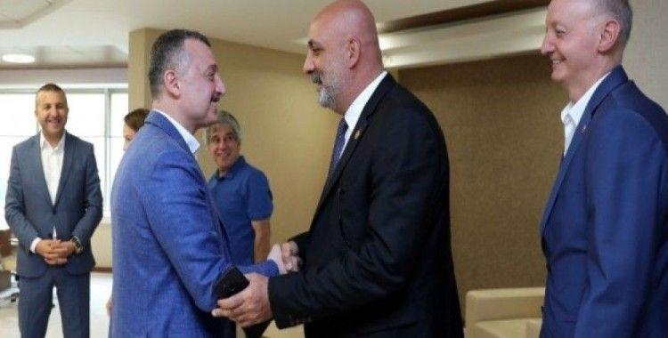 Başkan Büyükakın CHP'li Meclis üyelerini ağırladı