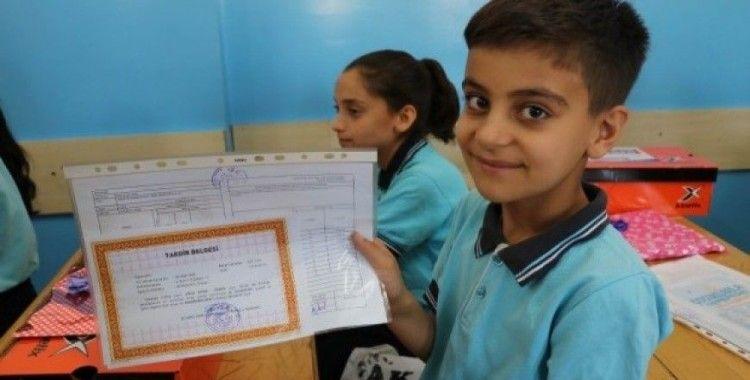 Türk ve Suriyeli toplam 730 bin öğrenci karne sevinci yaşadı