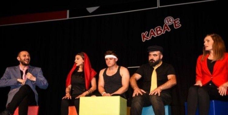 Taşköprü'de Kabare Tiyatro gösteri yaptı