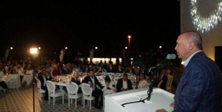 Cumhurbaşkanı Erdoğan'dan Macron'un Doğu Akdeniz'deki sondaj çalışmalarına ilişkin açıklamasına cevap