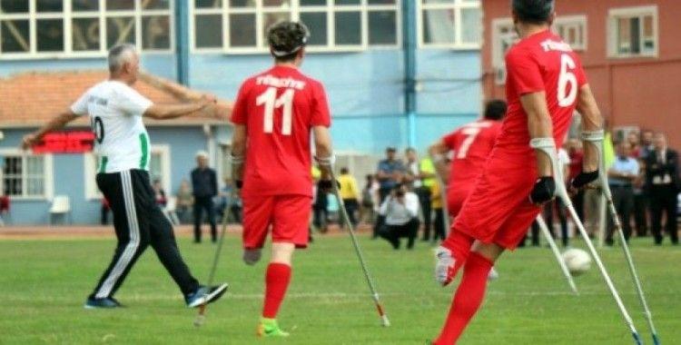 Ampute Milli Takımı, Kırşehir'de şov yaptı