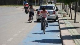 Bisiklet yolları işgal ediliyor