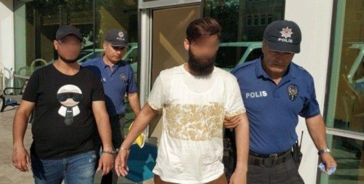 Mağazadan eşofman ve deodorant çalan 2 Iraklı tutuklandı