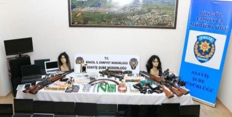 Gizli kameralı, bombalı hamilelik şantajı yapan fuhuş çetesine baskın: 31 gözaltı