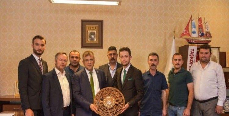 Kastamonu Ülkü Ocakları Başkanı Abayoğlu, Belediye Başkanı Çatal'ı ziyaret etti