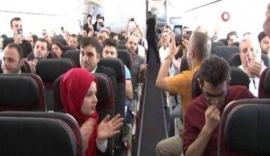 Pilotun 'Eren' anonsuna yolculardan alkış
