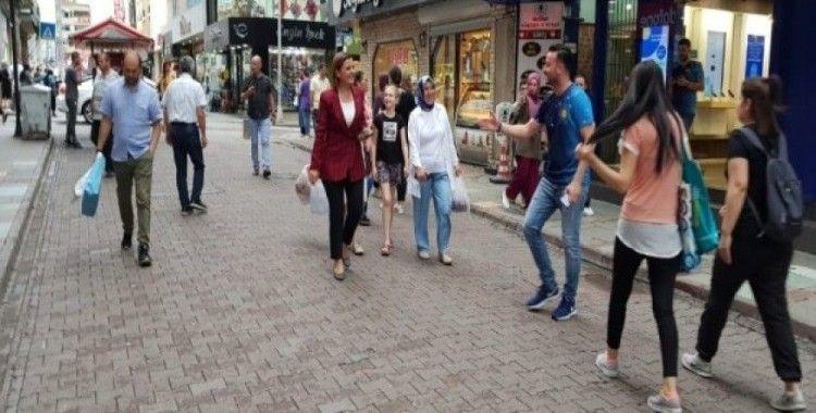 İzmit'in sokaklarında bir başkan