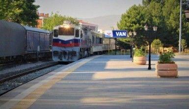Tahran-Ankara treni ilk seferini gerçekleştirdi