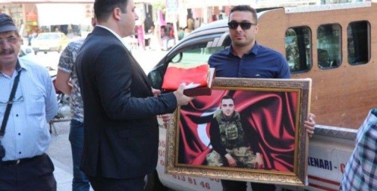 İranlı iş adamından şehit ailesine anlamlı hediye
