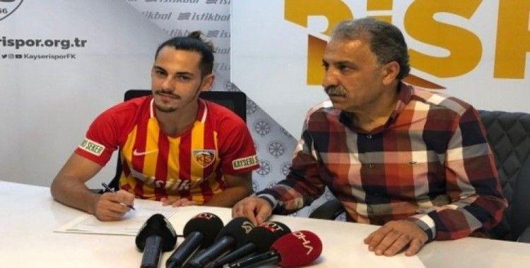 Kayserispor Yasir'e sözleşme imzalattı