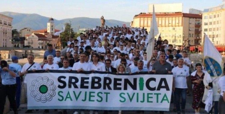 Üsküp'te Srebrenitsa soykırımı için yürüyüş düzenlendi